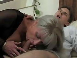 Mom Helps Youthfull Guy get off, Free Mom Beeg Porn Video e9.mp4